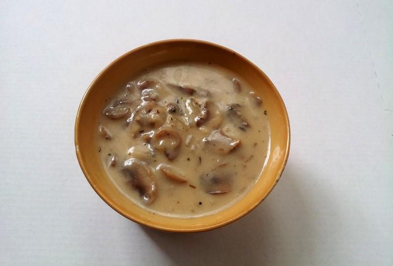 sos pieczarkowy
